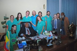 UT students along with Dr. Hodes