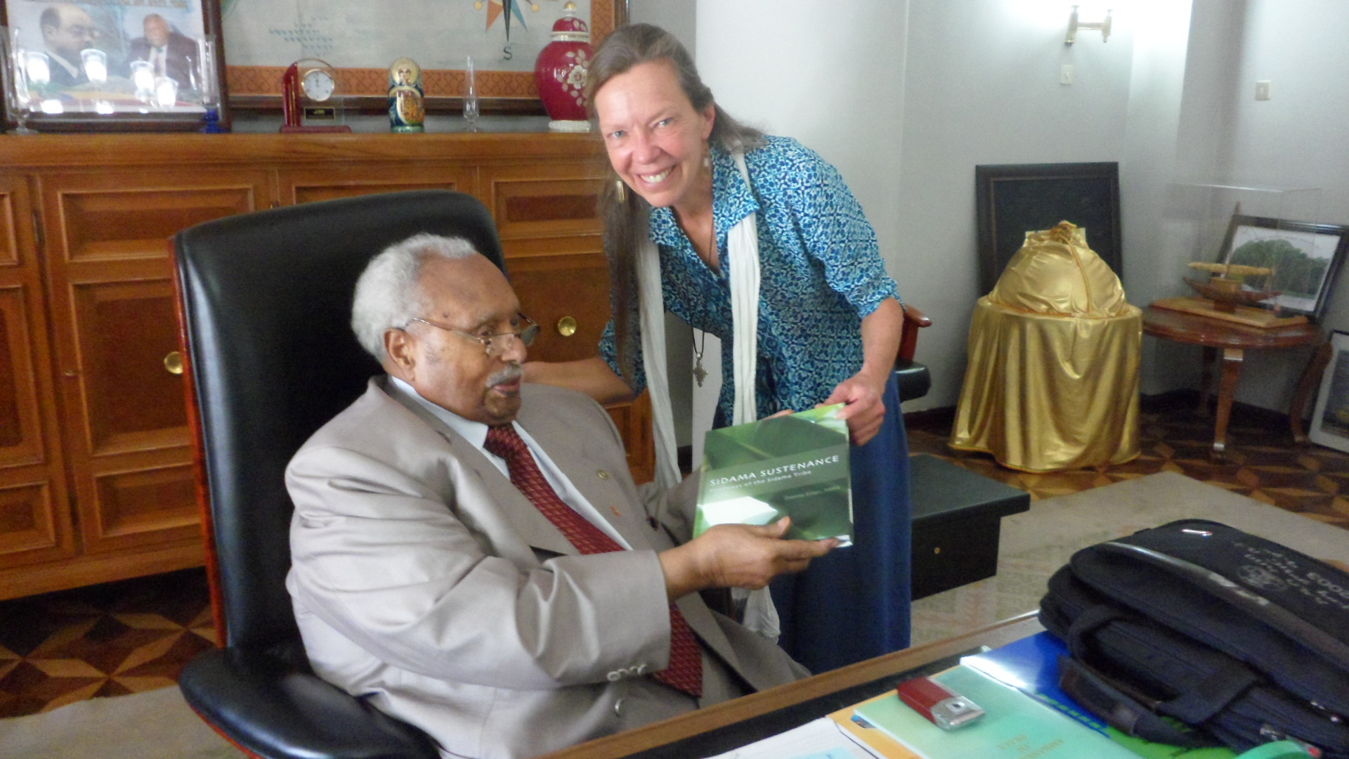 Ethiopia's President Girma receives Donna's book